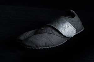 Toe-Bi (トゥービ) BLACK