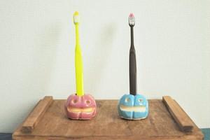 カボチャの歯ブラシ立て 水色(右)