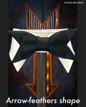 アローフェザーズシェイプ/矢羽根形 (ブラックサテン/ソリッド) 作り結び型〈蝶ネクタイ コーデ 黒 スーツ 人気 有名〉