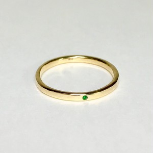 Cleopatra ring / K18 Yellow gold. Emerald.