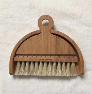 Iris Hantverk / Table brush set