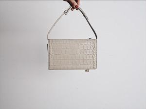 クロコ型押しレザーお財布BAG