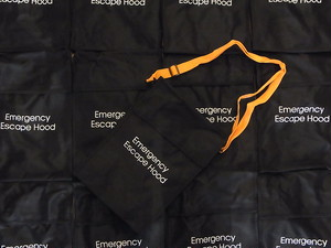 US.MILITARY/EMERGENCY ESCAPE HOOD BAG/DEADSTOCK