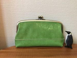 長財布にもなる、ふっくらマチ付き親子がまポーチ(黄緑色レザー)