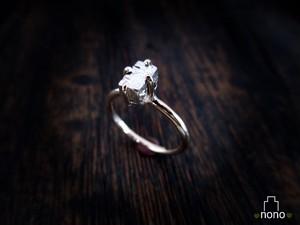 「Ishi Ring」 <k10> 宝石のかわりに石垣の石を掲げた、石垣マニア推薦のリング(10金)