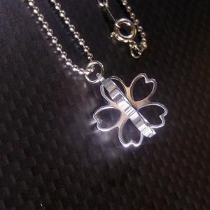 【桜の立体ネックレス】 ミニサイズ / プレゼントとしてもおしゃれ