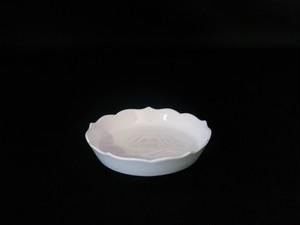 【井上萬二作】白磁椿彫文小皿