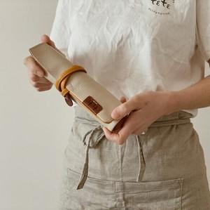 【袋果ロールペンケース / ホワイト】文房具・工具をスマートに収納