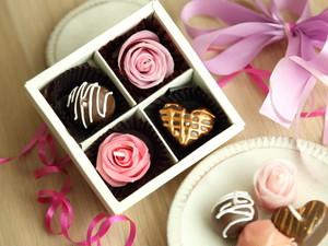 とろける蜜蝋のバラとチョコレート