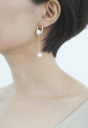 framed pearl pierce Gold