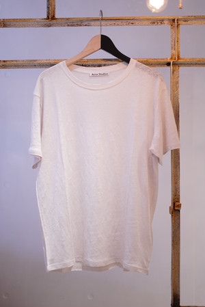 Acne Studios / LINEN T-SHIRTS (OFF WHITE)