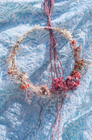 Dried flower wreath 001