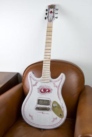 """BLAST CULT """" Magic 13 Guitar / White Owl """""""