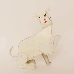ブリキ白猫 〇おとぼけ顔の変な猫