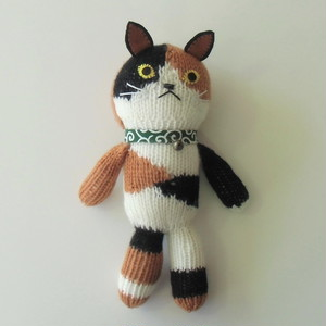 編みぐるみ     (抱っこちゃん猫ミケ)