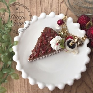 【Ringo Nyago】no.a1110227  ストロベリー&チョコレートのケーキ バッグチャーム