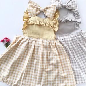 《出産祝い/ギフト》ワンピース風 ドレスエプロンフリル 女の子 キッズ用 子供(ギンガムチェック)100-120cm