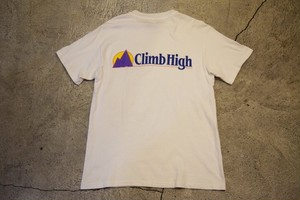 USED Climb High LogoTshirt -Medium T0540