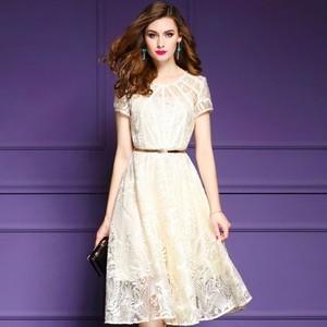 【送料無料】Aライン 半袖 刺繍 スリム 上品 結婚式 お呼ばれ 二次会 ドレス
