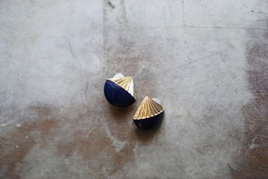[vintage] 1980's navy&gold earclips