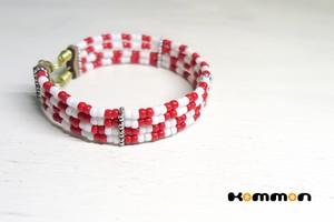 クロアチアうでわ〈紅白市松模様〉