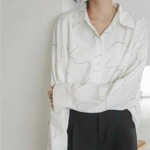 グラフィーホワイトシャツ U3722