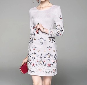 スウェード花の刺繍のドレスワンピース