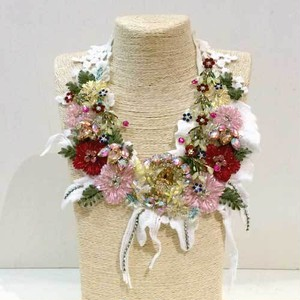【オリジナルセレクト商品】つけ衿風◆豪華刺繍 キラキラビジュー◆ネックレス