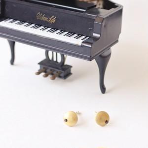 ヴィンテージスタインウェイのパーツを使った月を思わせるアンティークピアス S-030 Vintage steinway and sons piano capstan pierces with CZ (Moon: BLK)