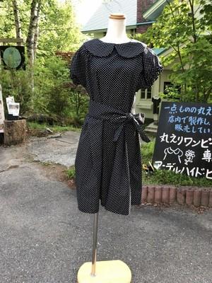 基本の上品スタイル ビジネスシーンで着たい水玉模様の丸襟ブラウスワンピース。一点もの