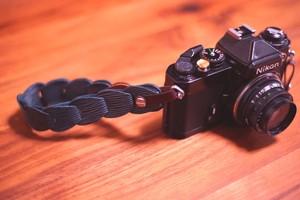 folklole mini / Hand Strap #5【ウロコのようなカメラストラップ】
