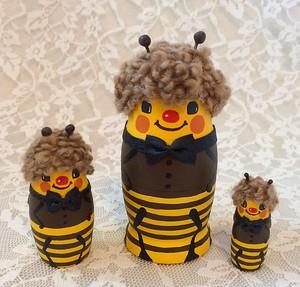 プレゼントに最適!ミツバチ3兄弟のマトリョーシカ♪