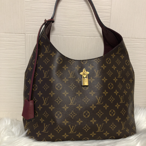 LOUIS VUITTON ルイヴィトン フラワー・ホーボー