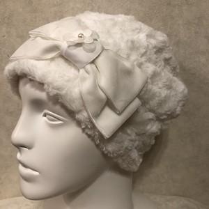 フワフワモコモコ♡トルネードファーのケア帽子 ホワイトチュールのお花