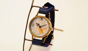 蝶の透かし彫り文字盤時計