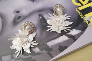 Pearl leather flower ピアス