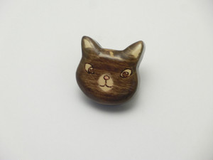 桂の猫ブローチ B1223