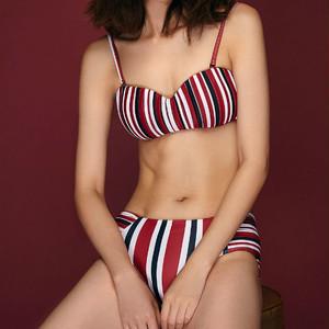 【タイ人気ブランド】Coralist Swimwear プリーツ入りビキニ Grace Red Strips