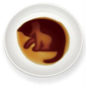 ★既製品★ネコ醤油皿「ころがす」