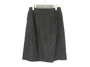 オリエンタル刺繍タックスカート