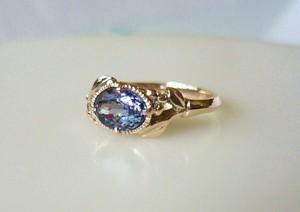 紫陽花色のタンザナイトのK10の指輪