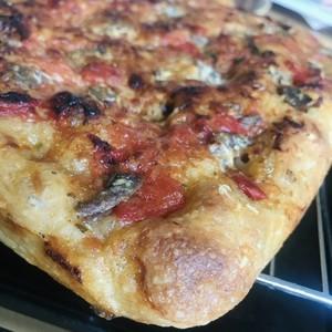 リグーリア風自家製酵母フォカッチャ アンチョビトマト&オレガノ Focaccia all'acciughe e pomodoro