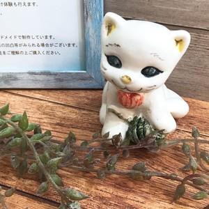 マヨリカ焼き 猫の置物