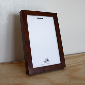 WALNUT FRAME / POSTCARD