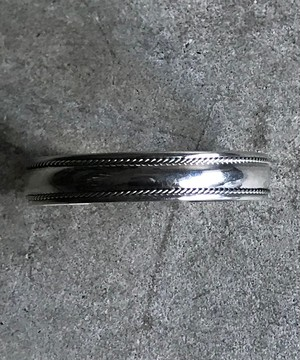 SILVER NAVAJO BANGLE SMALL