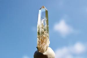 ガネーシュヒマール産 ヒマラヤ水晶 角閃石入り