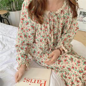 Lovely rose pattern onepiece roomwear