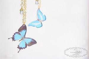 蝶のクリアネックレス(ゆらゆら)