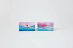 海と青い空のカードケース