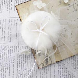 小花とチュールのリングピロー完成品(イタリア製サテン使用)